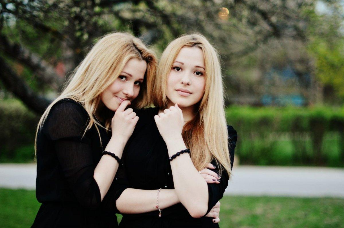 Пришла подруга сестры, Приехала сексуальная подружка моей сестры 7 фотография